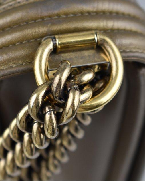 Bolsa Chanel Boy Grande Dourada